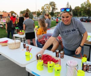 Home & School Volunteer at Back to School Night Serving Rootbeer Floats